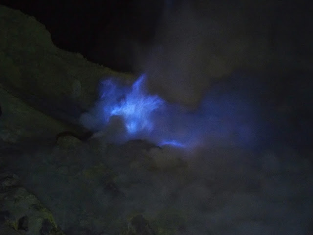 fuego azul volcan