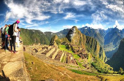 Machu Picchu junto a un grupo de turistas, Machu Picchu, Como llegar Machu Picchu, Info Machu Picchu, Boleto electrónico Machu Picchu