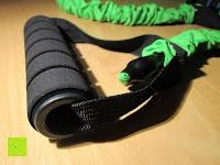 """Griff: 3er Set Tube-Expander """"MuscleMaster"""" premium Fitnessbänder mit Haltegriff in 3 Stärken (leicht mittel schwer). Exzellentes Ganzkörpertraining für Zuhause dank innovativen Übungsband."""