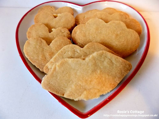 Scottish Shortbread Cookies - Delicious and only 3 ingredients