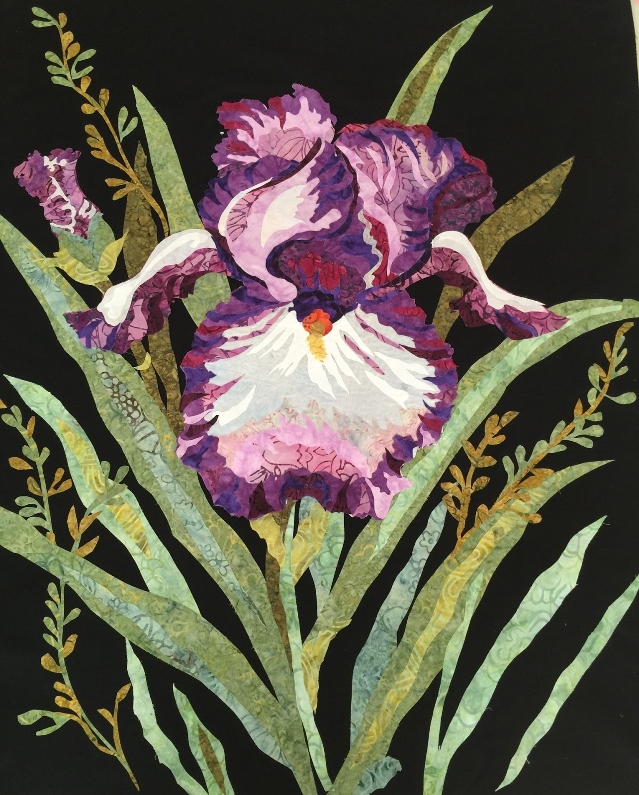 Melindas cutting garden quilting the iris now many of you are getting ready to quilt your flower i wanted to pass on some tip and tricks to give you some ideas on how to finishing your iris izmirmasajfo Choice Image