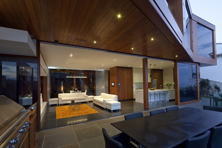 Living room of The Serpentine Home by Turner Architects