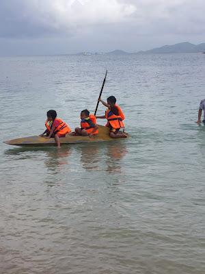 Bermain kano di Gili Sudak - Wisata Lombok