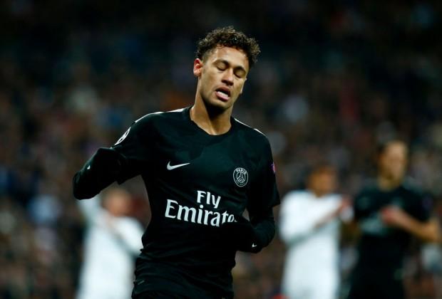 Ngày Neymar thế chỗ Ronaldo ở Real Madrid không còn xa