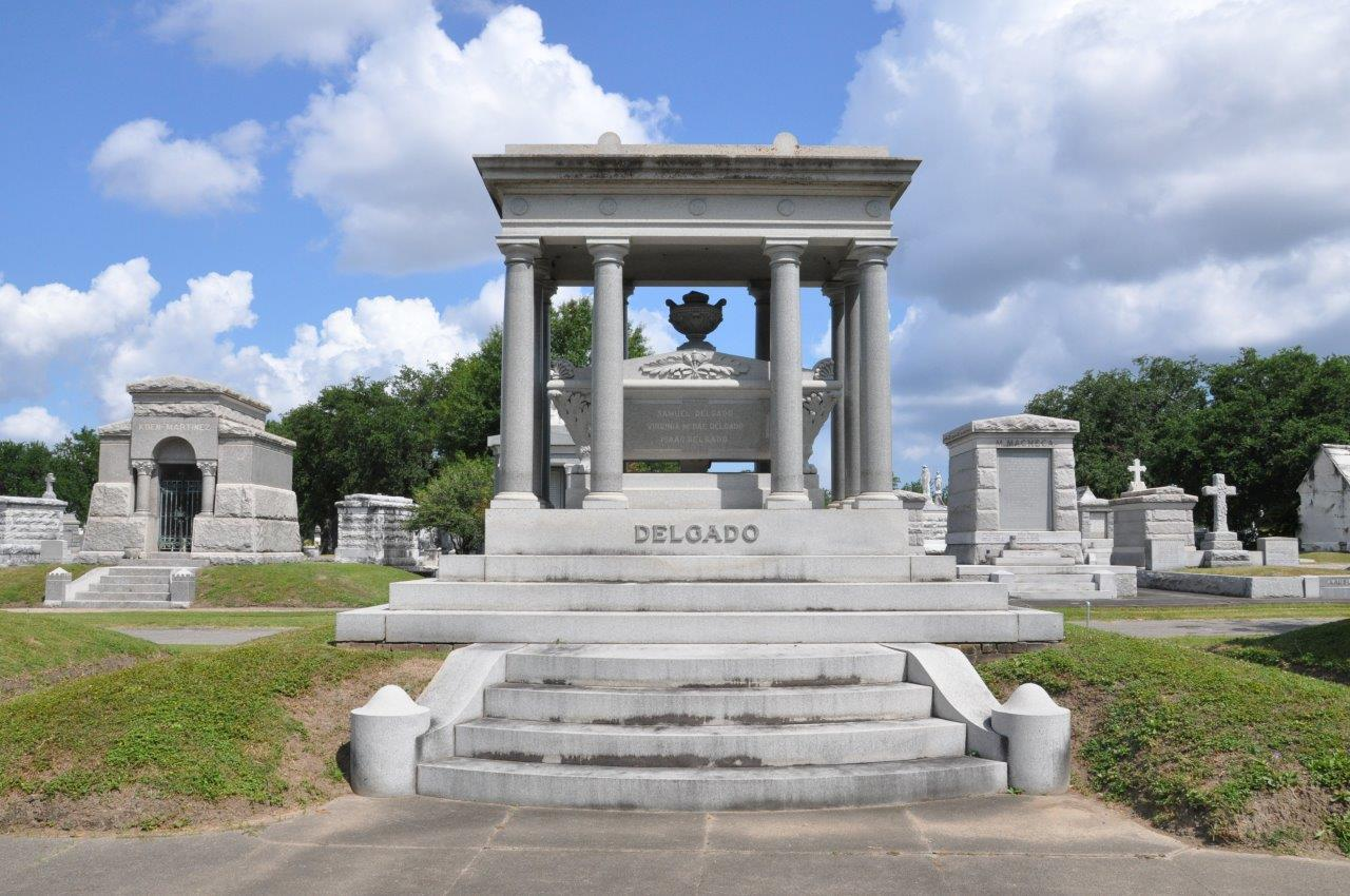 Getting Lost In Louisiana Metairie Cemetery In New Orleans
