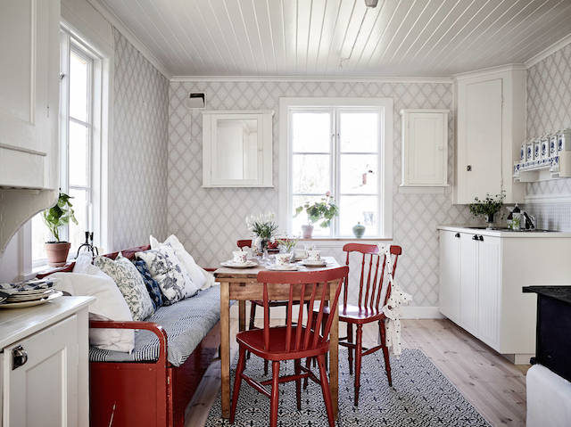 Summer at this charming Swedish cottage?