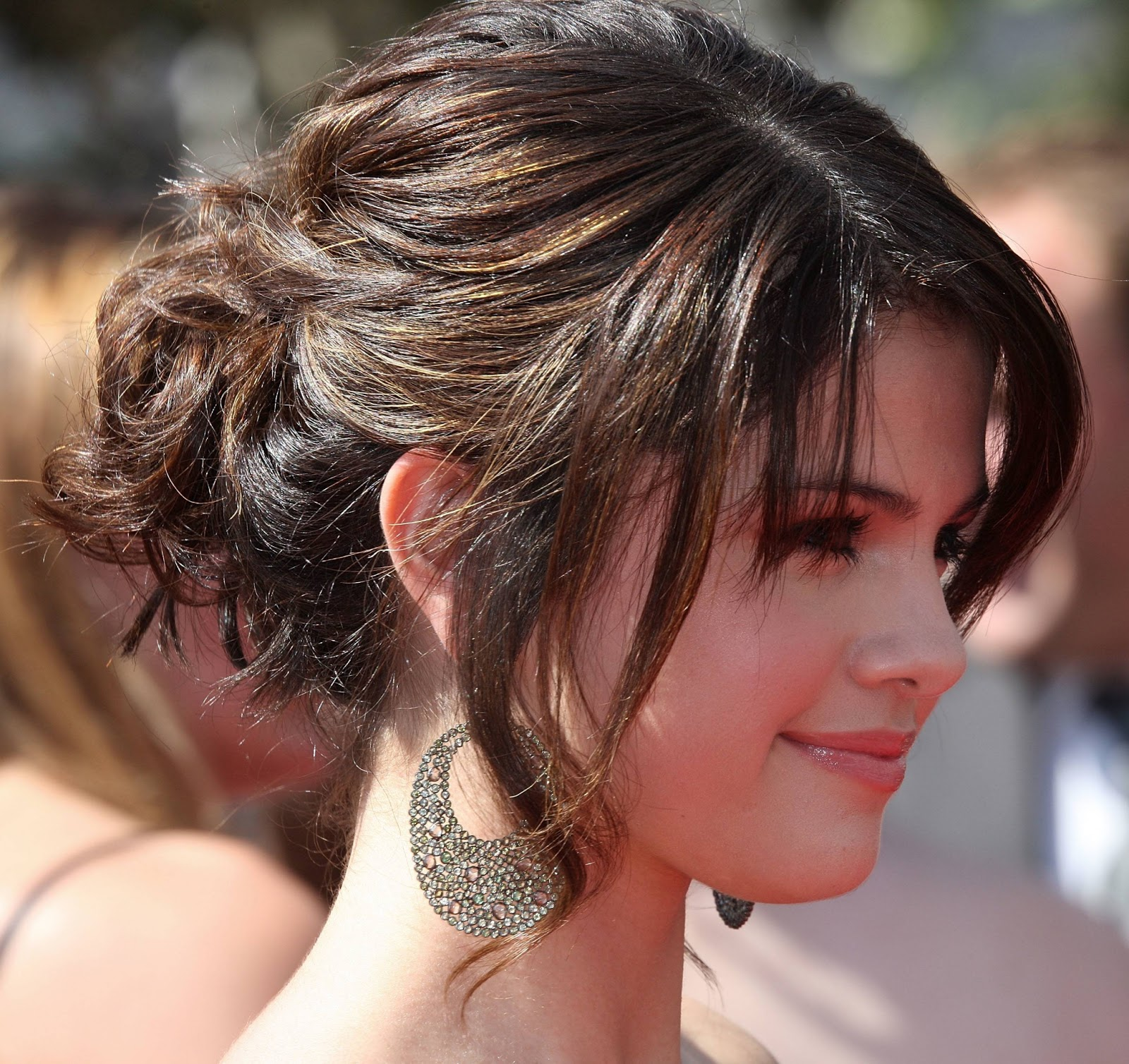 Cute Girls Hairstyles  Latest Stylish Prom Haircuts And Hairstyles