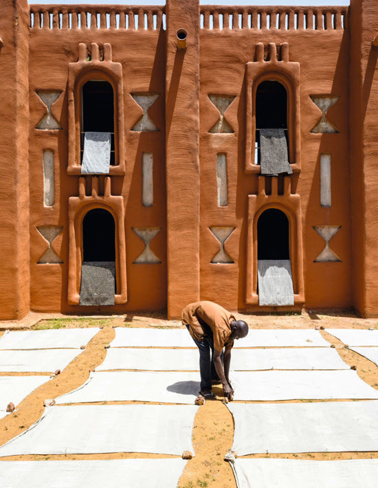 Safari Fusion blog | Colour crush: Ochre | Mud brick architecture of Mali via Elle Deocration South Africa