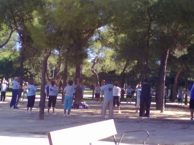 Escuela de Invierno. Gimnasia de mantenimiento en el Parque Juan Carlos I