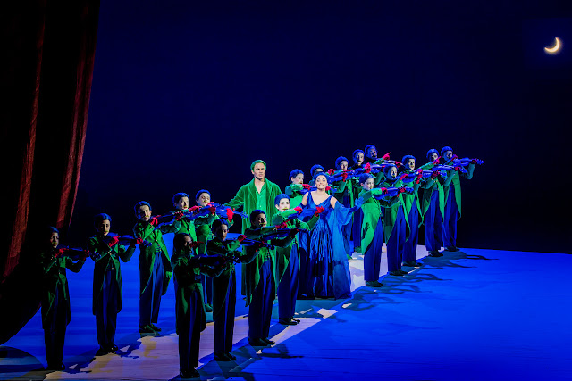 Britten: A Midsummer Night's Dream - Christopher Ainslie, Soraya Mafi, Trinity Boys Choir - English National Opera (Photo Robert Workman)