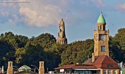 Bismarck Denkmal Hamburg über den Landungsbrücken
