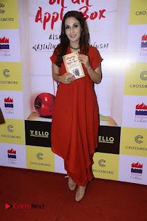 Sonakshi Sinha Karan Johar at Aishwarya Rajinikanth Standing on an Apple Box Book Launch Event  0039.jpg