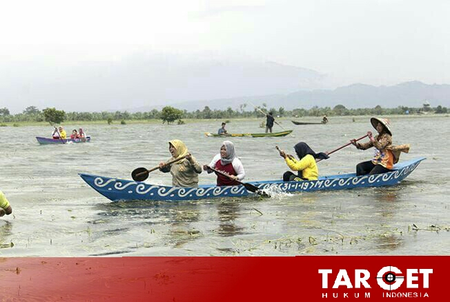 Banjir Melanda, Warga Pasuruhan Kayen Gelar Festival Lomba Perahu