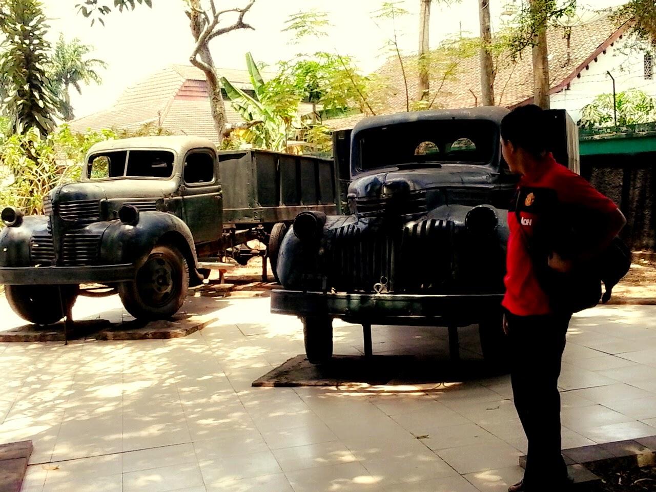 Beyond The Traveling Dolan Singkat Ke Museum Isdiman Monumen