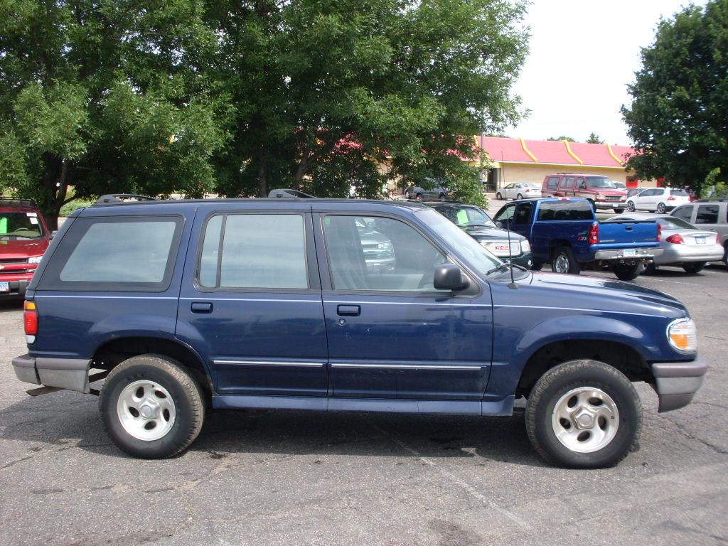 Ford Explorer Blue on 1995 Dodge Durango