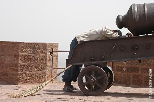 http://www.diariosdeunfotografodeviajes.com/2015/02/india-sonolienta-y-agotadora.html