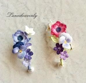 wzory kwiatków na biżuterię szydełkową