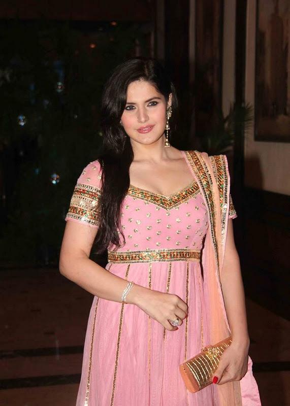 sexy Zarine khan pink dress in Genelia Ritesh Sangeet ...