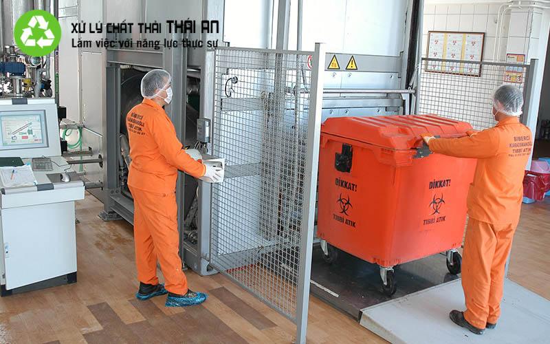 quy trình thu gom rác thải y tế, quy trình xử lý rác thải bệnh viện, quy trình xử lý chất thải rắn y tế, quy trình quản lý chất thải y tế, quản lý chất thải rắn y tế, quy chế quản lý chất thải y tế mới nhất, chất thải rắn y tế là gì, thông tư liên tịch 58/2015/ttlt-byt-btnmt quy định về quản lý chất thải y tế, quy trình quản lý chất thải nguy hại,