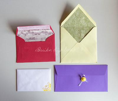 Sobres para invitaciones de boda con diferentes personalizaciones