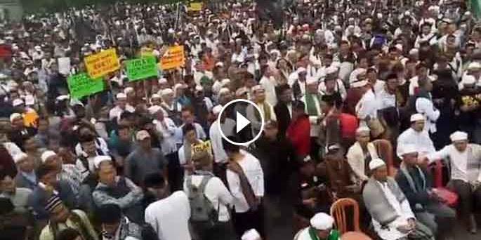 Ditutupi Media Meanstrems, Beginilah Aksi Ribuan Umat Islam di Jakarta Tolak Perppu Ormas