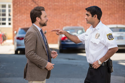 Charlie Day and Kumail Nanjiani in Fist Fight (9)