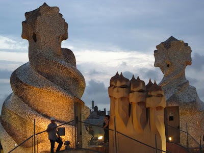Chimneys-shaped warriors of Casa Milà