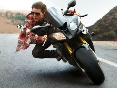 cruise-performs-thrilling-stunts-in-mission-impossible-6