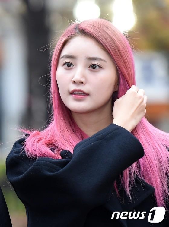 Instiz Female Idols Who Had Pink Ombre Hair Pann좋아