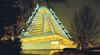 Beth Sholom Synagogue (Northeast view, night)
