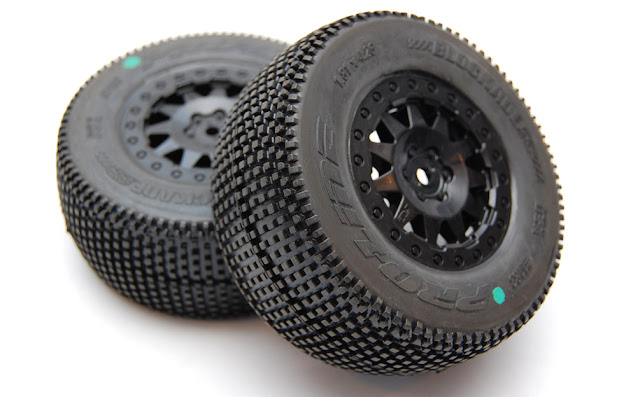 Pro-Line Pro-2 SC blockade tires on f11 wheels