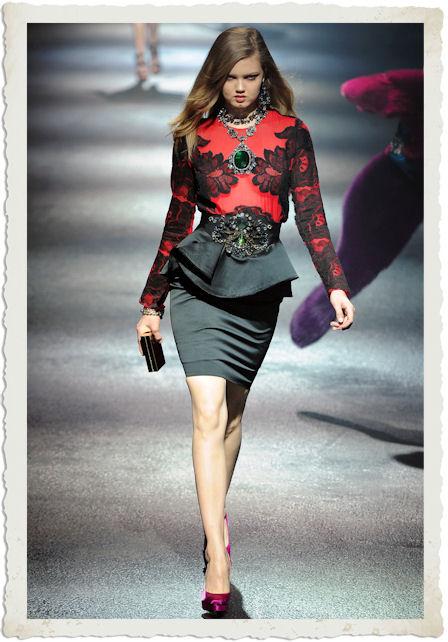 vestirsi di rosso e nero secondo Lanvin