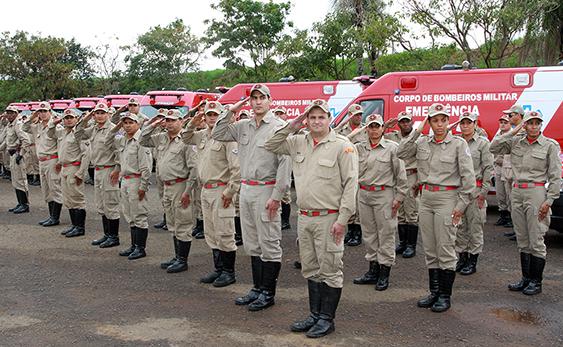 Resultado de imagem para bombeiro militar de pernambuco