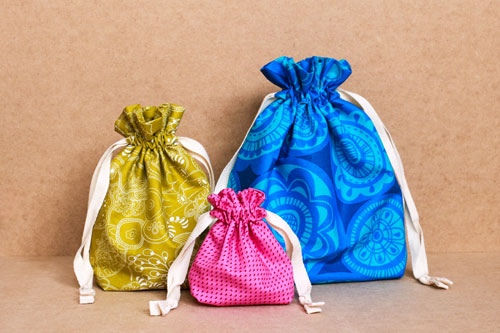 Easy Going Lined Drawstring Bag Tutorial
