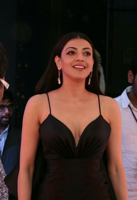 Kajal Agarwal Hot Stills at Zee Golden Awards 2017