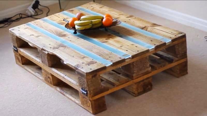 se trata de una mesa para el saln y tambin os explico paso por paso como hacerla al final del post podris visitar el link con el video - Mesa Con Palets