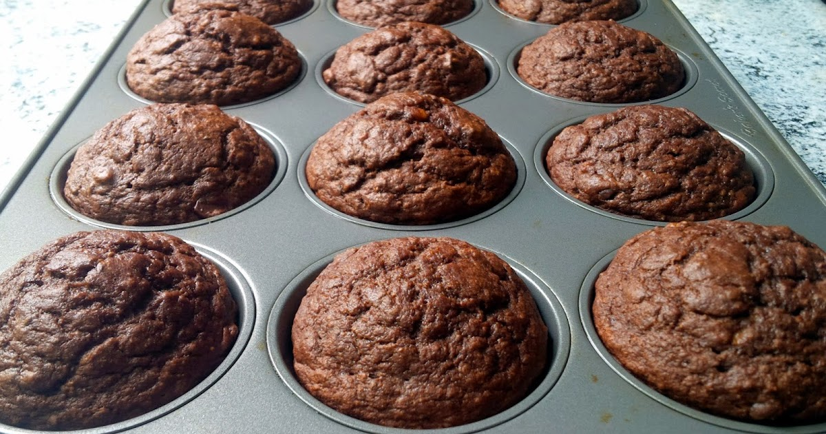 Homespun Luxe: Banana Chocolate Chia Seed Muffins