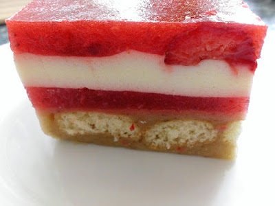Ciasto na zimno z truskawkami
