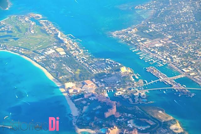 As 2 pontes entre Nassau e Paradise Island vista aérea