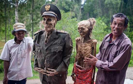 Negeri Mayat Hidup - Tana Toraja