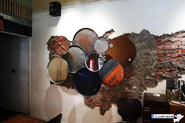 IMG 4760 - 【新竹美食】弄點咖啡COFFEE BAR -位於大遠百巷弄間的老屋咖啡廳,來這裡可以享受都市間的寧靜,甜點、飲品擺盤做工都非常的講究,價格也相當親民!