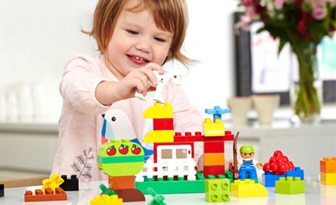 Hasil gambar untuk anak bermain lego