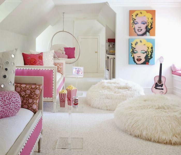 7a14841e8bb Ένα δωμάτιο playroom σχεδιασμένο για ένα 11χρονο κορίτσι, όπου το κλασικό  συναντά το pop. Δύο γαλλικά ανάκλιντρα σε υπέροχο ροζ χρώμα με χαρούμενα  μαξιλάρια ...