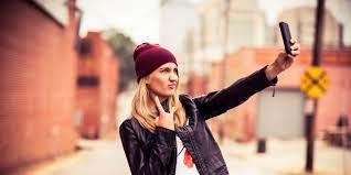 Positif dan Negatifnya Selfie - garo-blog.com