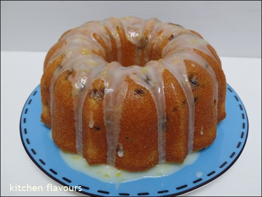 kitchen flavours: Rum Sultana Pound Cake with Lemon Glaze