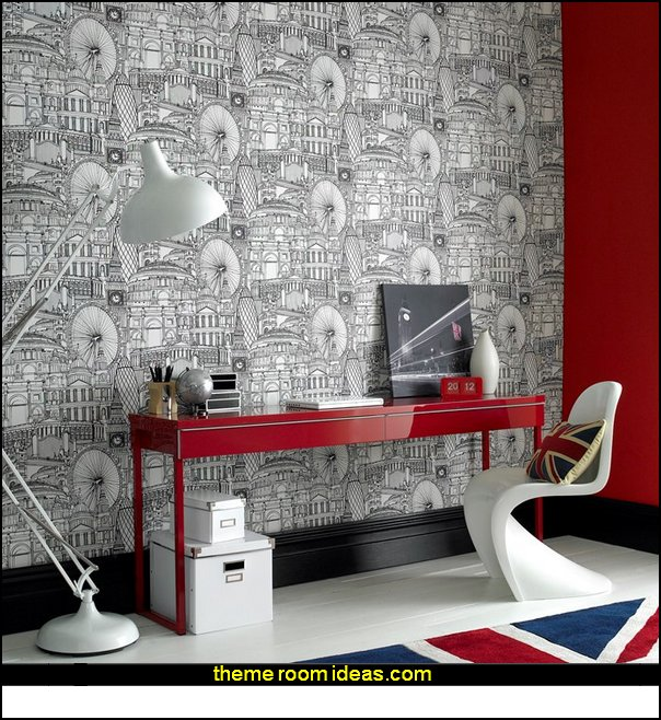 Londinium Black white wallpaper London themed deccorating ideas