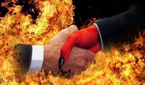 http://3.bp.blogspot.com/-EsSEvo3LKDA/Vbt1FsfBPxI/AAAAAAAABxs/ZVWj4wfH3Lc/s320/Deal-With-The-Devil.jpg