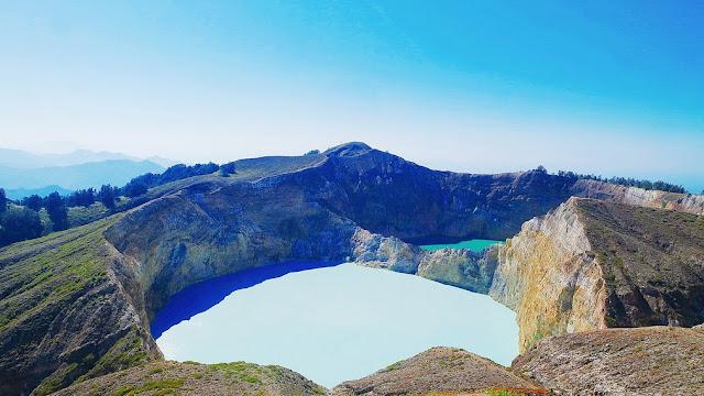 Pesona Gunung Kelimutu Yang Mendunia Dengan Danau 3 Warnanya