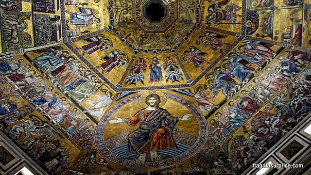 Mosaico bizantino no teto do Batistério de Florença