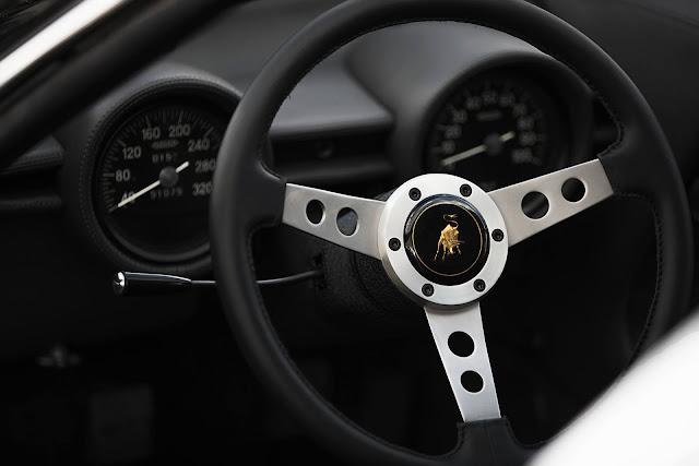 Lamborghini Miura P400 - interior